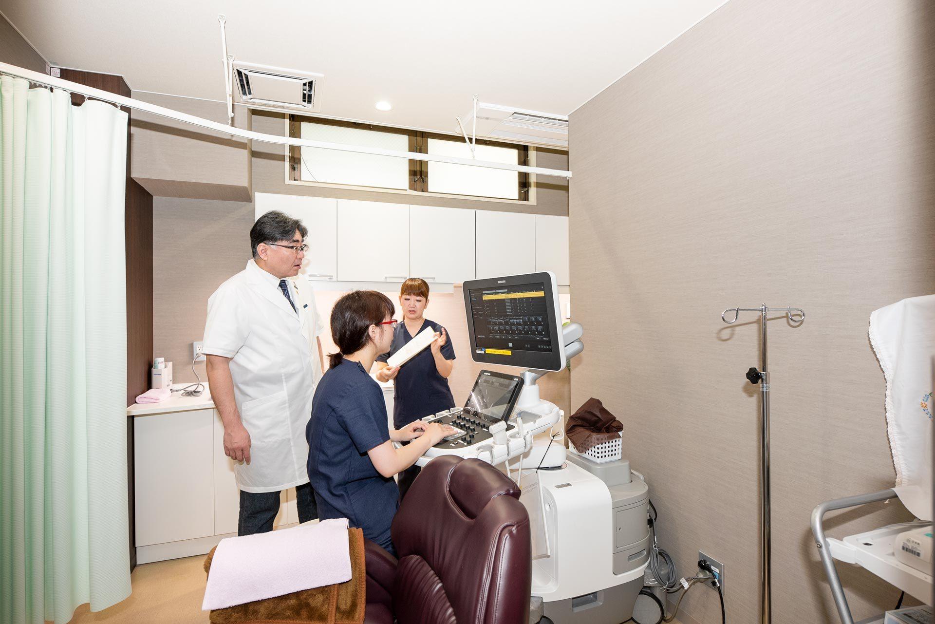 甲状腺のおもな検査は、エコー検査と、血液検査です